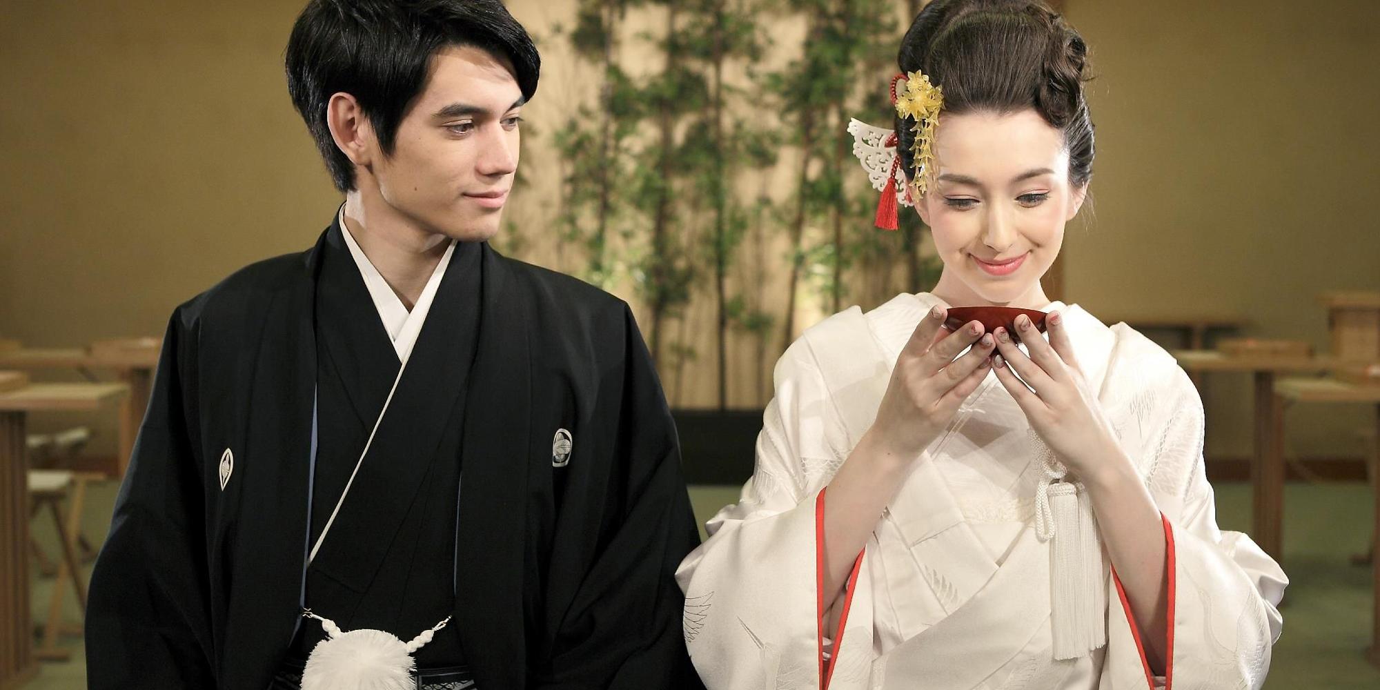 Matrimonio giapponese: tazze con sakè