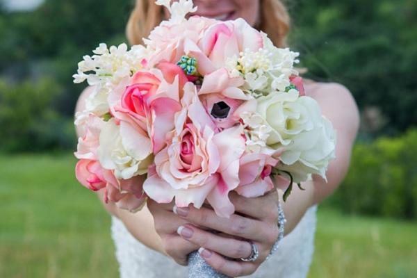 La GoPro nel bouquet della sposa